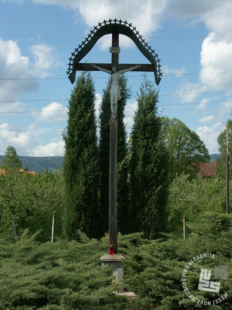 Nekdanje meniško pokopališče je spominsko obeleženo. Foto Goran Rovan, 2005