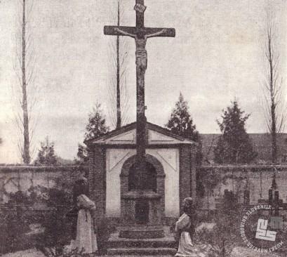 Molitev za umrle sobrate. Foto: neznan, hrani: MNZS.