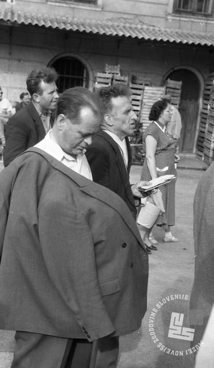 DE244_1: Žrebanje jugoslovanske loterije. Junij / julij 1957. Foto: Svetozar Busić, hrani: MNZS.