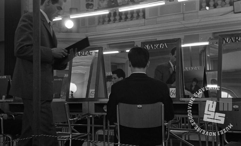 DE4240_6: Tekmovanje frizerjev za Narta pokal. marec 1966. Foto: Svetozar Busić, hrani: MNZS.