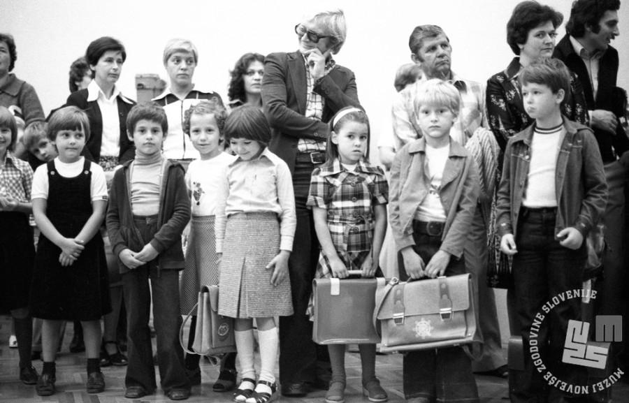 DE7669_2: Foto: 1. september 1977. Foto: Miško Kranjec, hrani: MNZS.