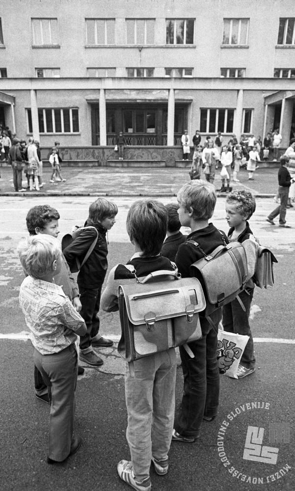 DE8283_183: 1. september 1982. Foto: Miško Kranjec, hrani: MNZS.