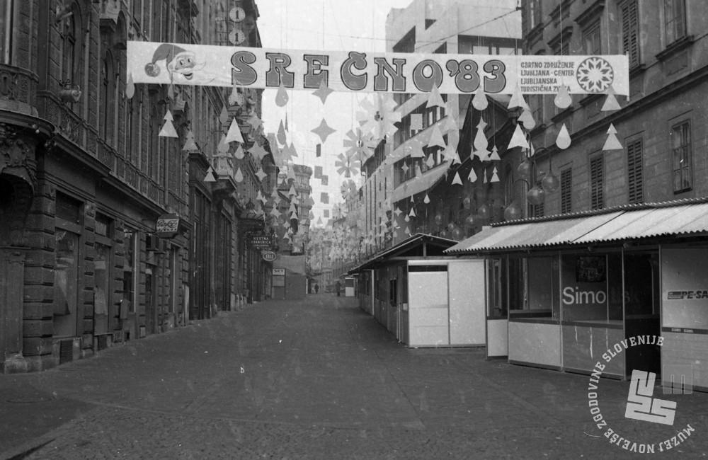 DE7352/7: Ljubljana pred novim letom, december 1982. Foto: Dragan Arrigler, hrani: MNZS