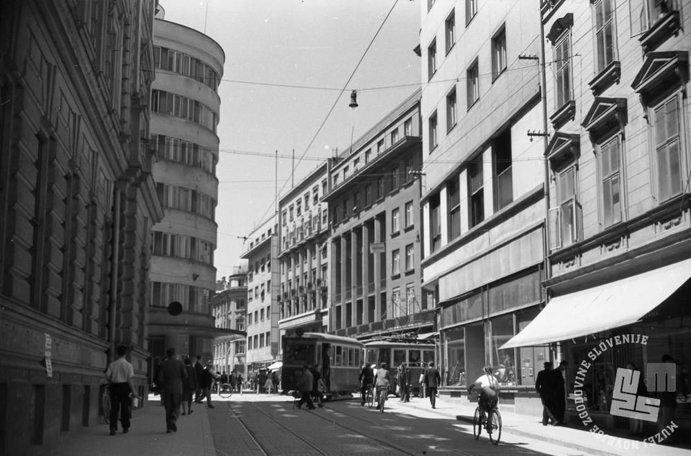 FS5080/33: Ljubljana, junij 1949. Foto: Božo Štajer, hrani: MNZS.