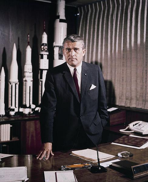 Dr. Wernher von Braun 1. maja 1964, kot direktor »NASA Marschall Space Flight Centra«. (NASA)
