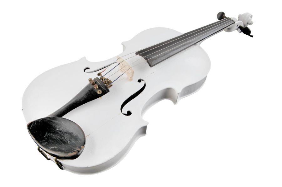 Violina, ki jo je kupil Leopold v Roswellu, ZDA. (Hrani družina Gošnik)