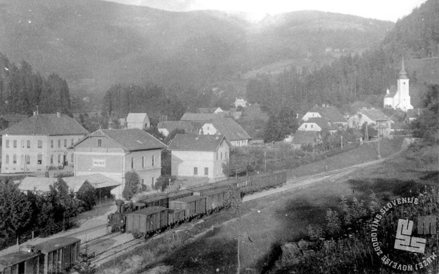 SL2452: Pogled na Mislinjo z železniško postajo. Mislinja, obdobje med obema svetovnima vojnama. Foto: neznan, hrani: MNZS.