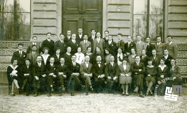 11. Leta 1927 naj bi prišlo do združitve ljubljanskih sokolskih žup Ljubljanski sokoli (ustanovljeni 1863) in Sokoli I. Tabor Ljubljana (ustanovljeni 1907) v eno organizacijo Sokols