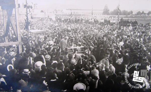 12. Sprejem in pozdrav kralju Aleksandru in soprogi Mariji na stadionu v Be┼żigradu avgusta 1922