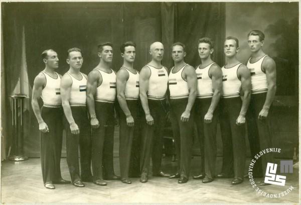 13. Jugoslovanska sokolska vrsta na olimpijadi v Amsterdamu leta 1928