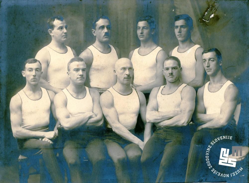 14.a. Vrsta jugoslovanske sokolske zveze na svetovnem prvenstvu v gimnastiki v Ljubljani avgusta 1922