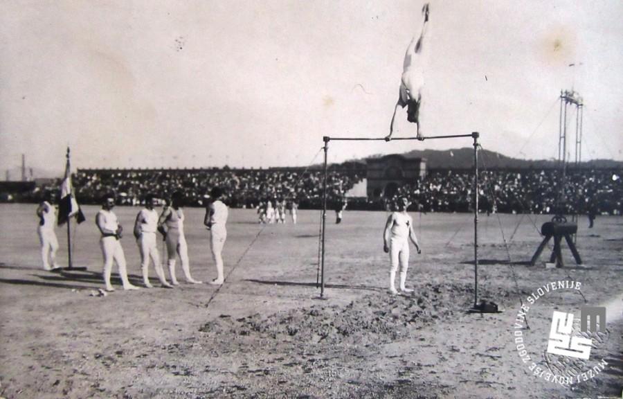 17. Tekmovanje francoske vrste na drogu na svetovnem prvenstvu v gimnastiki avgusta 1922 v Ljubljani