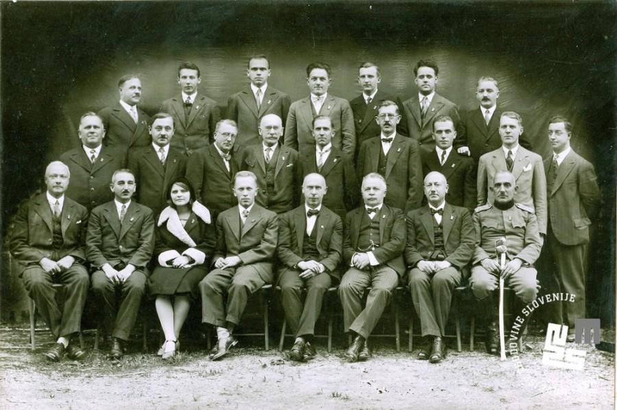 20. Prednjaški zbor Ljubljanskega Sokola leta 1930 (upravni odbor). Četrti z desne dr. Viktor Murnik