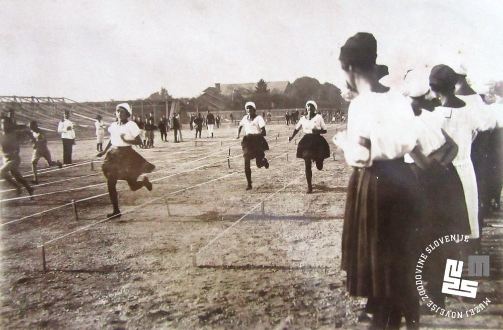 21. Tekmovanje ─Źlanic v teku na svetovnem prvenstvu leta 1922 v Ljubljani