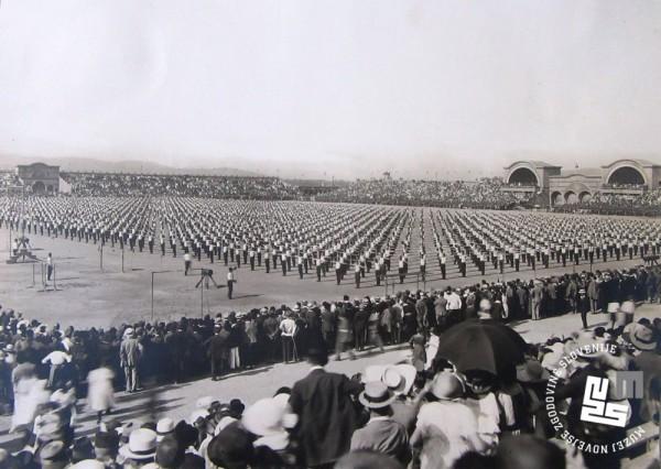 22. Proste vaje ─Źlanov Sokola na vsesokolskem zletu leta 1922 v Ljubljani