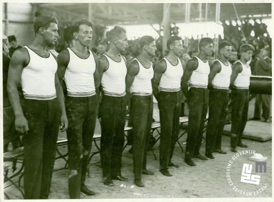22. Vrsta Sokolov kraljevine Jugoslavije na I. tekmi vrst za slovansko prvenstvo v Pragi leta 1932