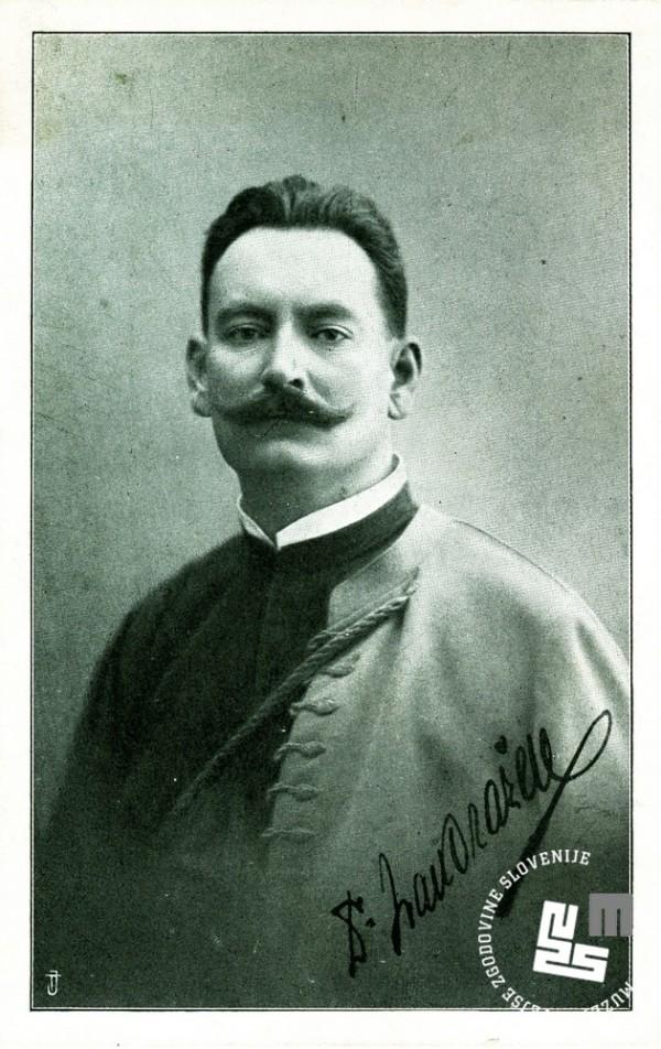 26. Dr. Ivan Ora┼żen, rojen 8. februarja 1869 v Kostanjevici na Krki, dr. medicine, starosta Ljubljanskega Sokola in prvi starosta Jugoslovanske Sokolske zveze