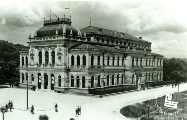 29. Narodni dom v Ljubljani, ki je bil sezidan leta 1896
