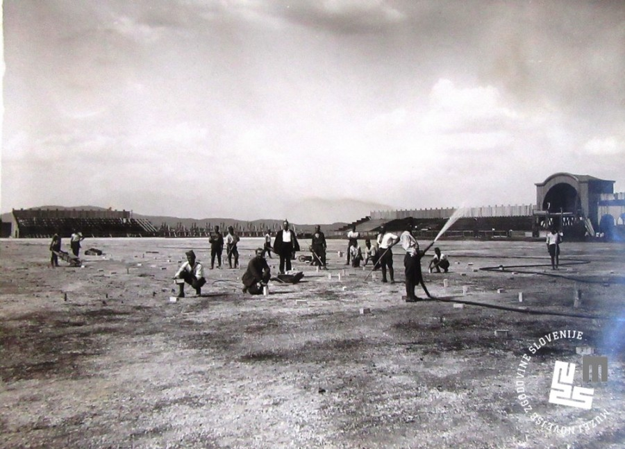 5. Gradnja tribun in urejanje povr┼íin za stadion v Be┼żigradu za I. jugoslovanski vsesokolski zlet
