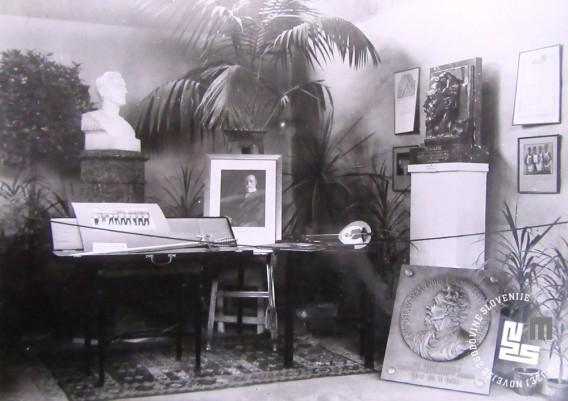 Ob I. pokrajinskem zletu Sokola kraljevine Jugoslavije in 70-obletnici delovanja, so člani Ljubljanskega Sokola uredili razstavo v prostorih Narodnega doma. Foto: Kovač Vekoslav, hrani MNZS.
