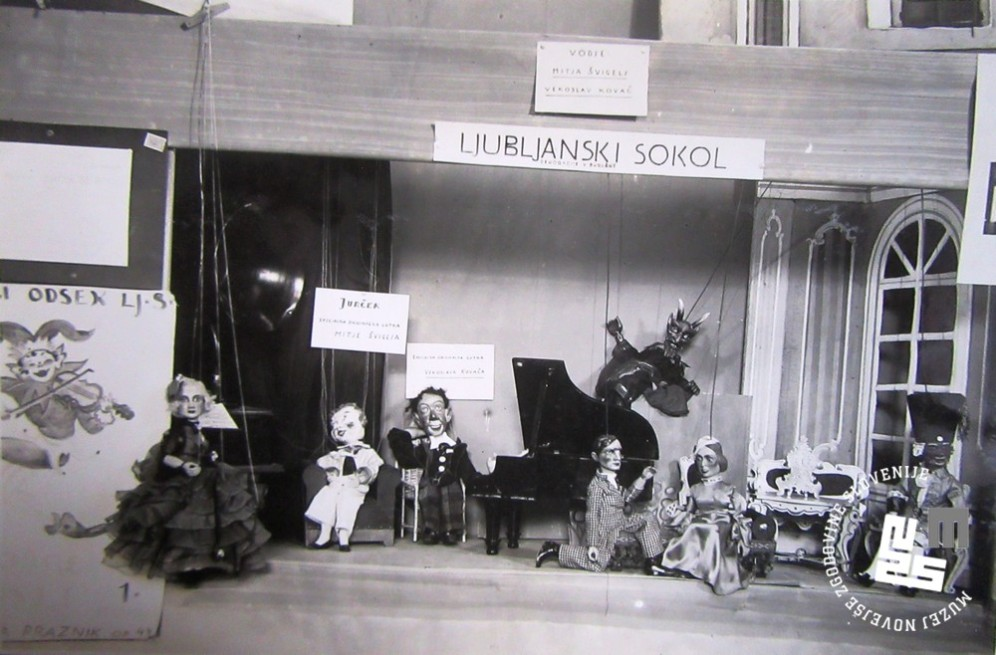 Na razstavi je bilo predstavljeno tudi delovanje lutkarskega oddelka Ljubljanskih Sokolov. Foto: Kovač Vekoslav, hrani MNZS.