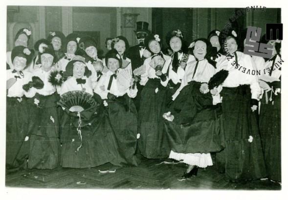 Otroška maškarada leta 1955 v Ljubljani, ki so jo organizirali člani TVD Partizan Ljubljana Narodni dom. Foto: Kovač Lojze.
