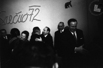 Objem Josipa Broza – Tita in Staneta Kavčiča, 1. 1. 1972.