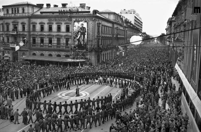 Veličastno zadnje množično praznovanje prvega maja v Ljubljani, 1961.