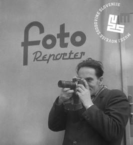 9. Edi Šelhaus v akciji – protokolarne dogodke so fotoreporterji nekoč smeli fotografirati le z zanje določenega mesta, ok. 1958, foto: neznan.